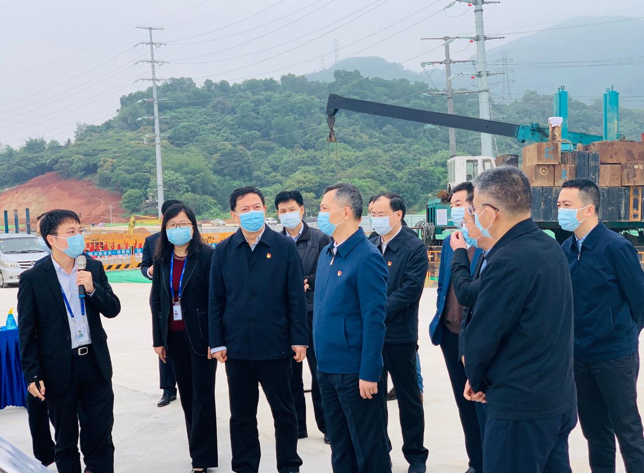 广州市委书记张硕辅调研广州国显项目